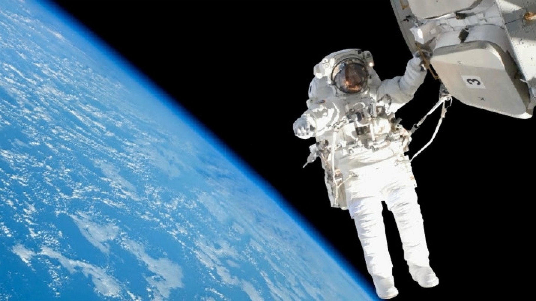 Trump quiere que la NASA salga de la estación espacial para el 2025