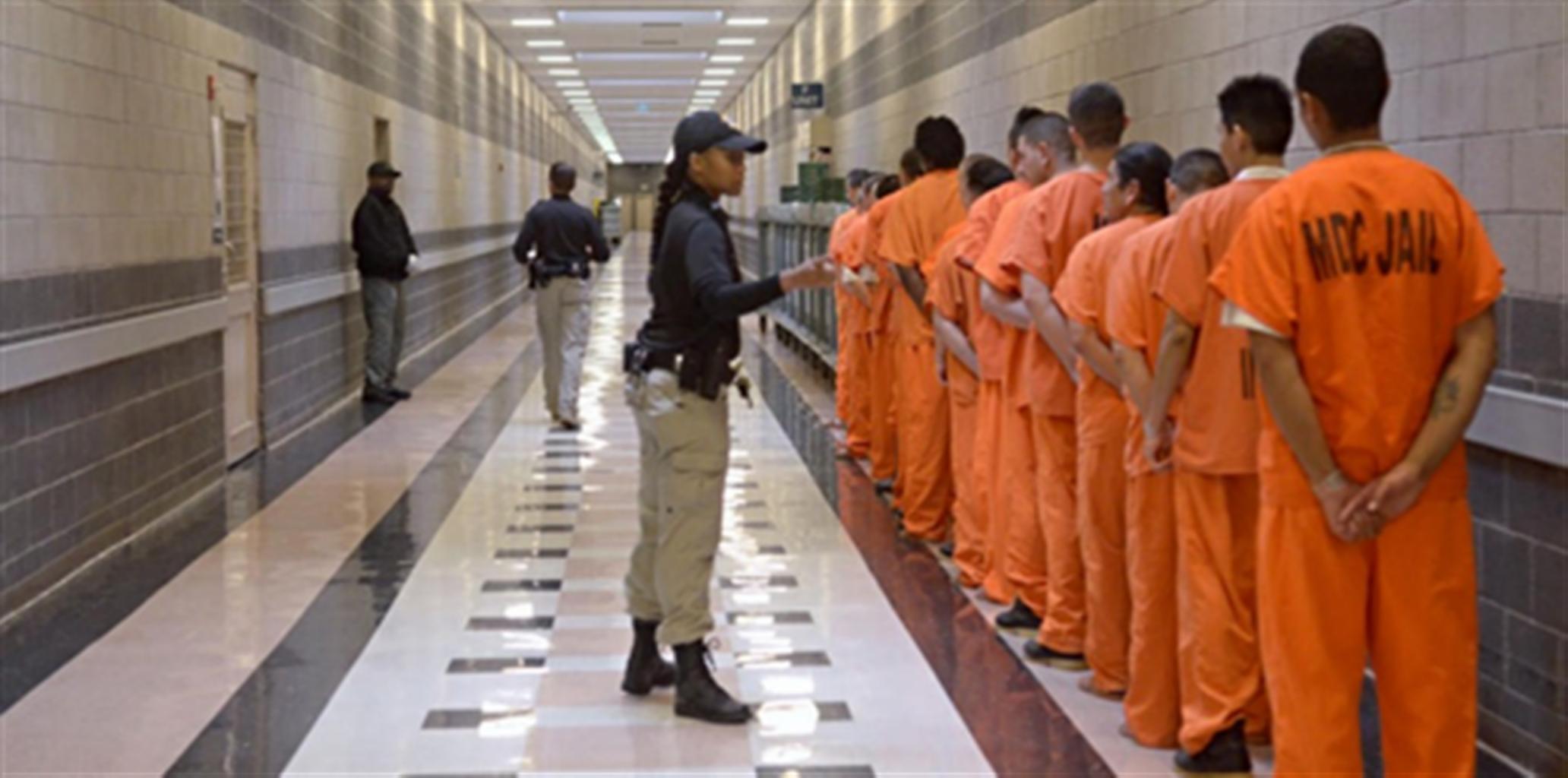 Gobierno seguirá programa que ofrece asistencia legal a Inmigrantes detenidos