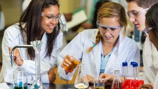 Devon Energy &  OKC DODGERS  Premian Estudiantes y Profesores de STEM
