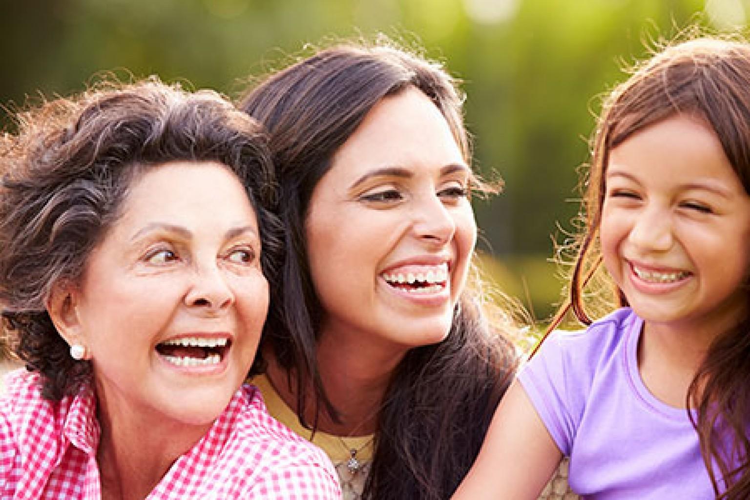 La mayoría de los padres hispanos hablan español con sus hijos