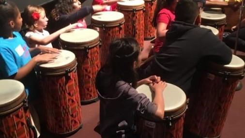 Dando Prioridad al Arte y  Música en las Escuelas