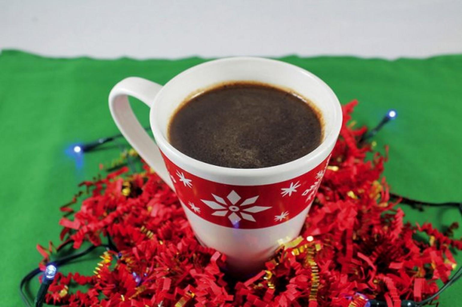 Chocolate casero con pedacitos  de chocolate semi-dulce