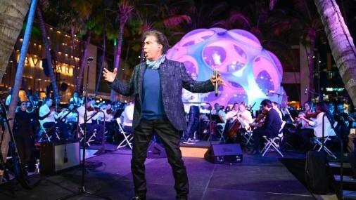 El Puma sorprende en concierto junto la Orquesta Sinfónica de Miami