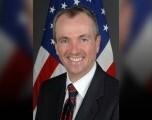 Gobernador de Nueva Jersey es Aplaudido Al Firmar Propuesta en Ley Histórica de Ayuda Médica Para Morir