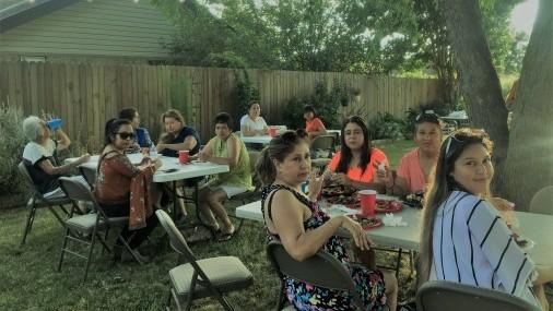Grupo de Apoyo Celebra Quince Años          ofreciendo Salud.