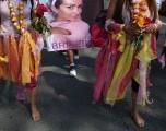 Mexicanas marchan contra la violencia a las mujeres