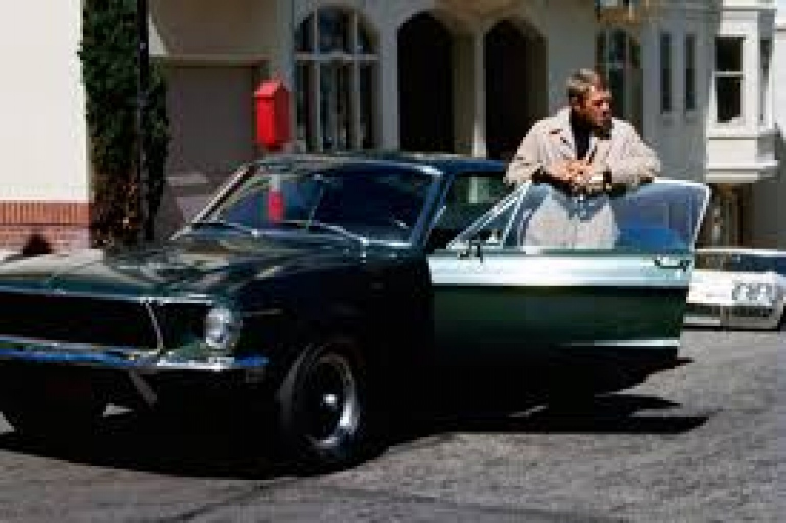 "El Mustang 1968 de la película ""Bullitt"" se vendió en un precio récord"