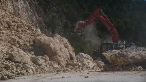 Gobernador de Puerto Rico anunció que casi 300,000 hogares y negocios están sin servicio de agua