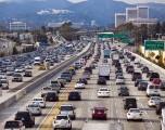 Cuál es el promedio de edad de los automóviles en las carreteras de los Estados Unidos