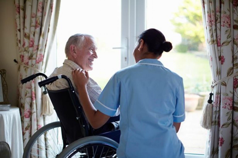 Hogares de Ancianos Advierten Repunte de casos COVID