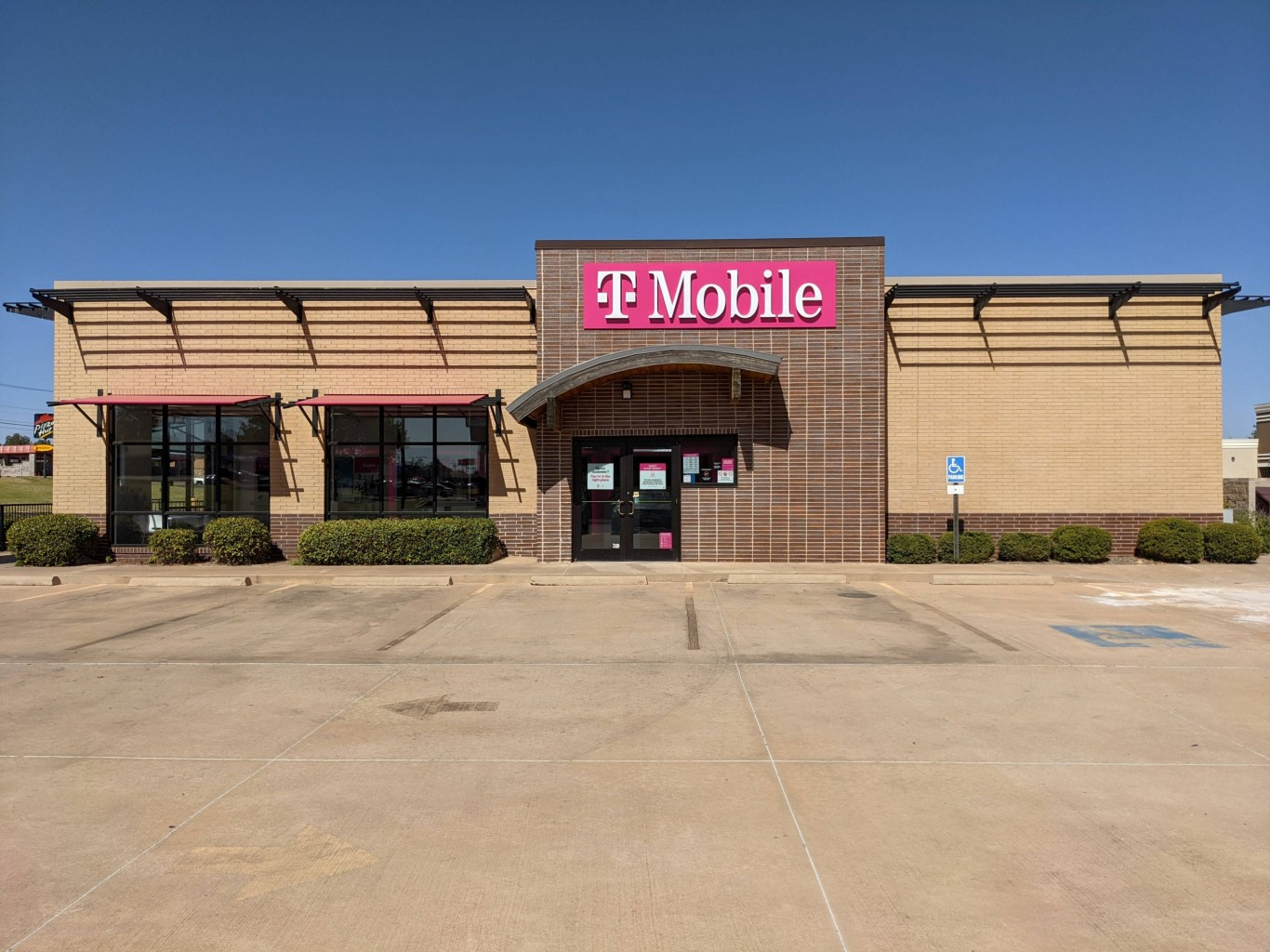 T-Mobile Expands Home Internet to More Than 450 Cities & Towns