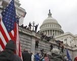 Alborotadores que entraron al Capitolio de EEUU ahora enfrentan reacción negativa en el trabajo