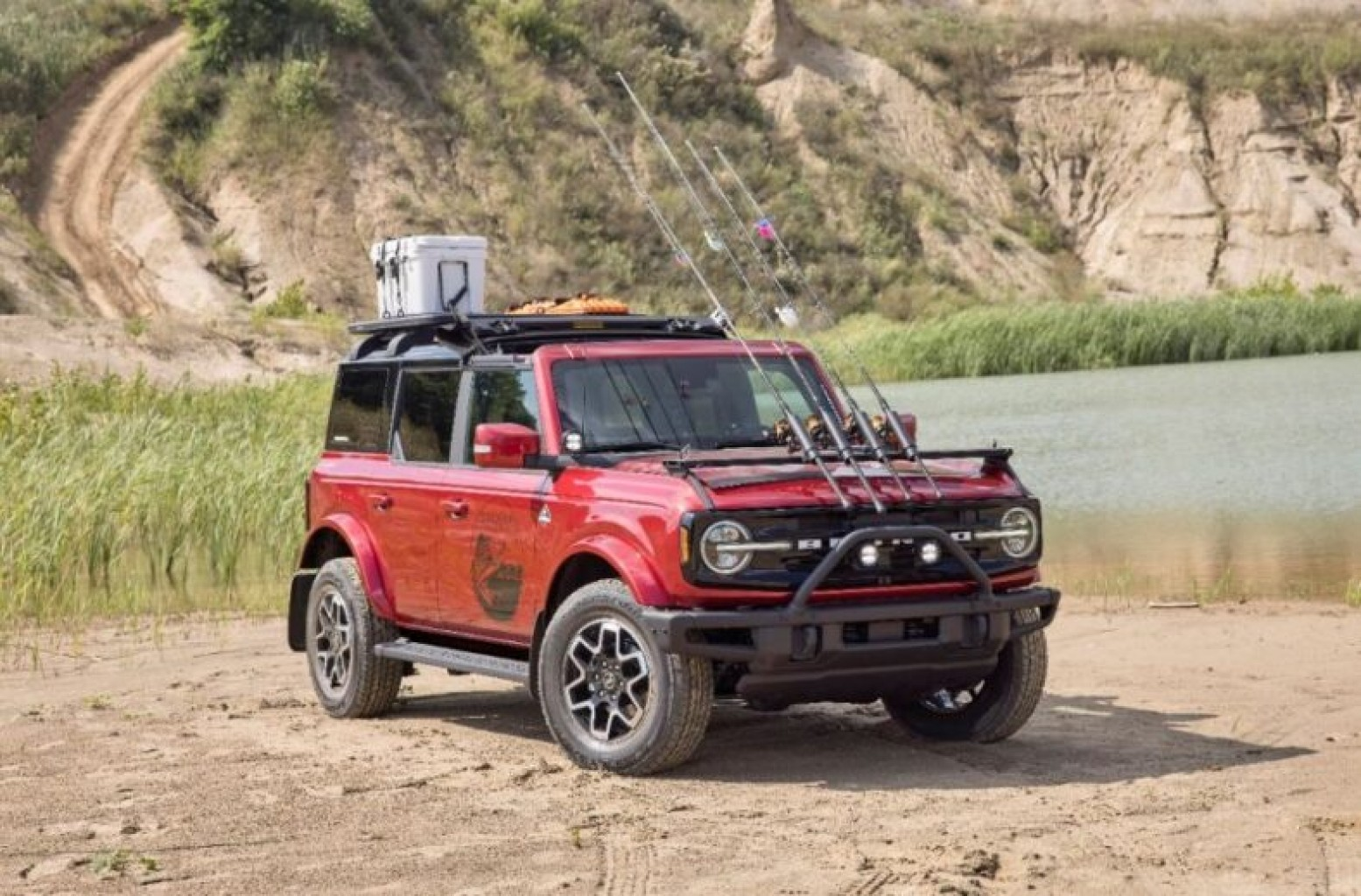 Ford  Motor Company está emitiendo dos retiros de seguridad en Norteamérica
