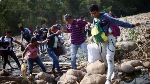 Congreso evalúa proyectos migratorios mientras miles de indocumentados llegan a la frontera sur