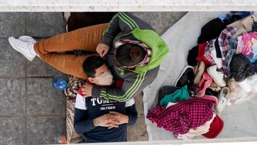 Sitios de emergencia para niños migrantes plantean problemas de seguridad