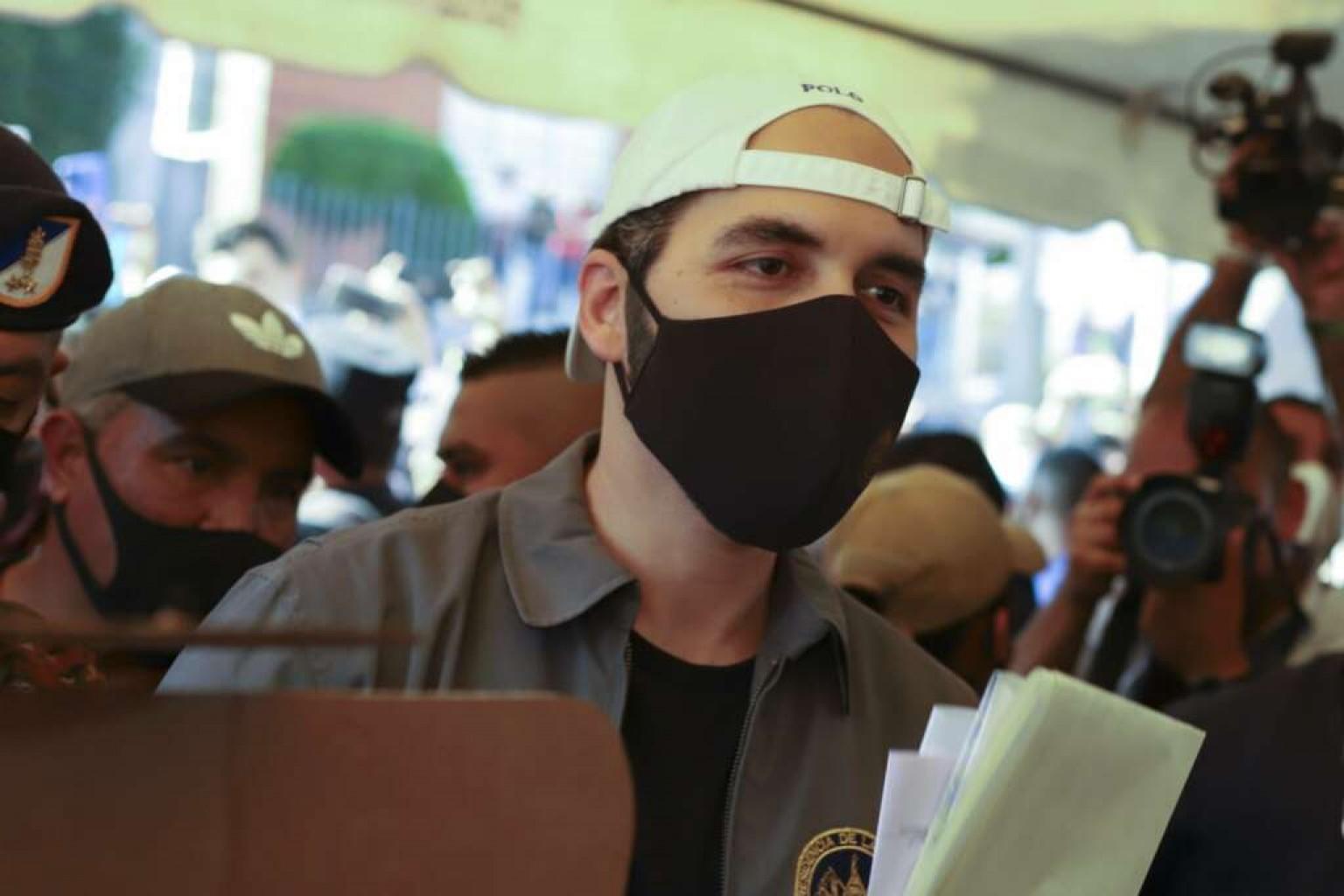 El Salvador espera lo que hará el presidente con el nuevo poder