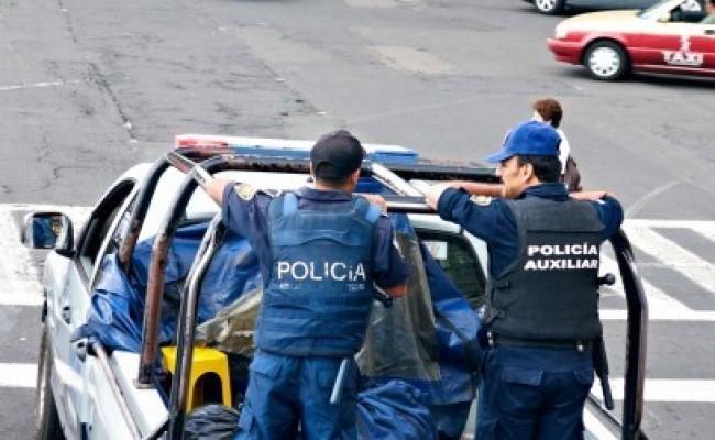 En México, los cárteles persiguen a la policía en sus hogares