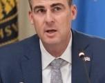 Encuesta: El gobernador Stitt tiene una ventaja temprana en la campaña para gobernador